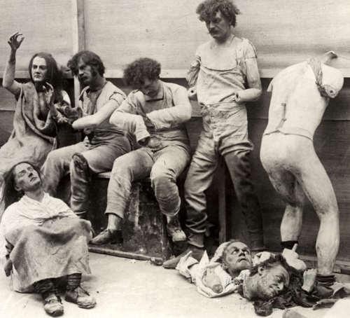 Figuras de cera derretidas después del incendio del Madame Tussaud en 1940