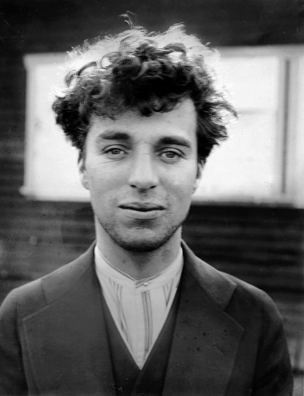 Charles Chaplin en 1916 con 27 años.