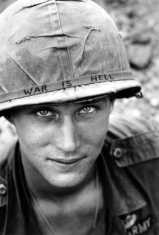 Soldado en Vietnam, 1965.