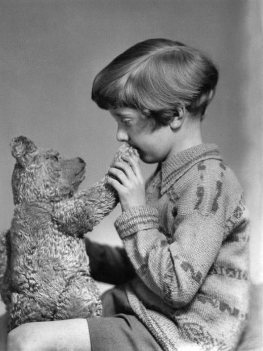 El Winnie de Pooh original y Christopher Robin en 1927.