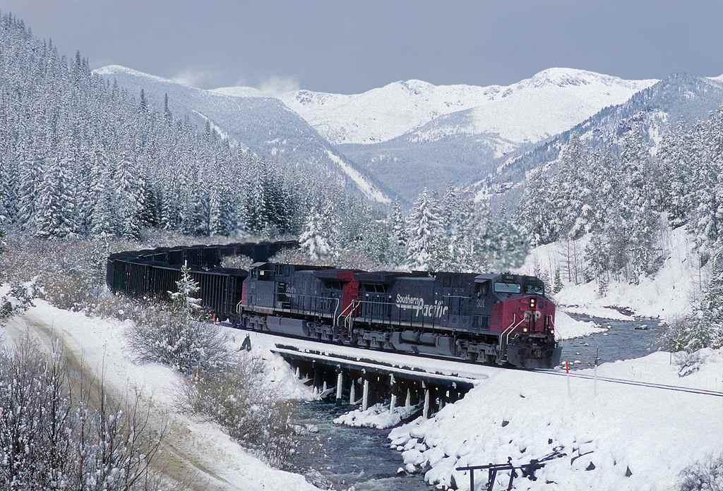trains-snow-48
