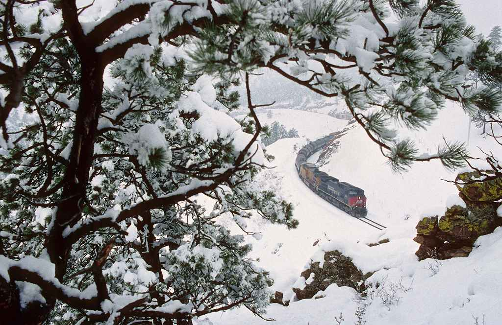 trains-snow-8