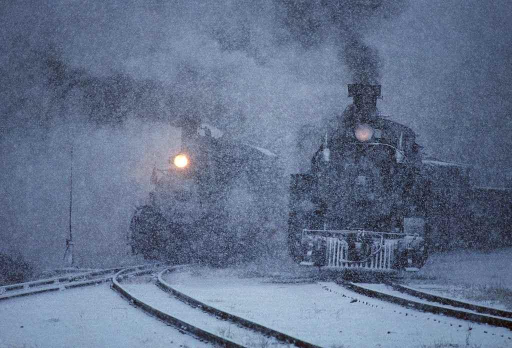 trains-snow-9