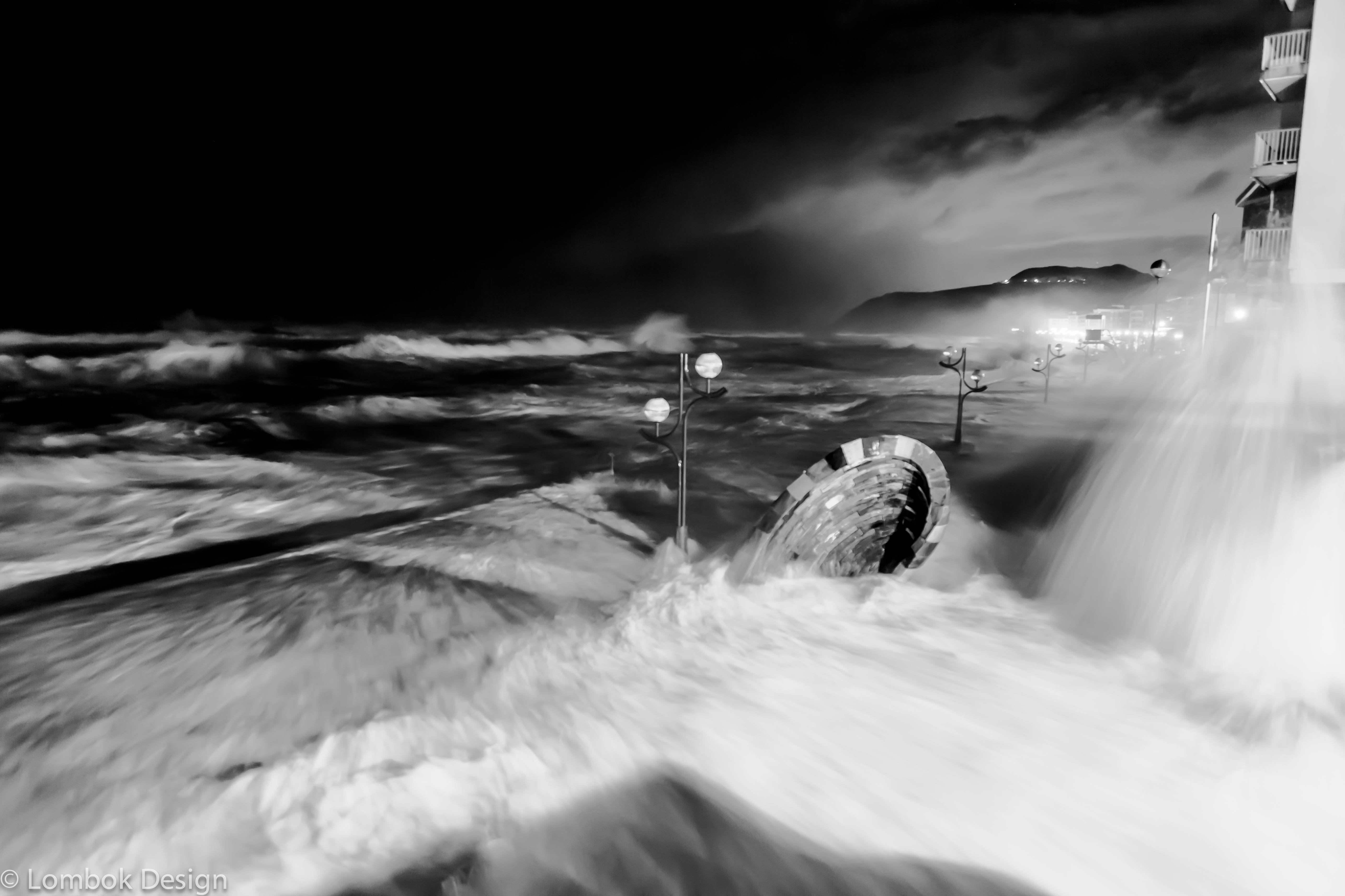 Temporal de olas en Zarautz