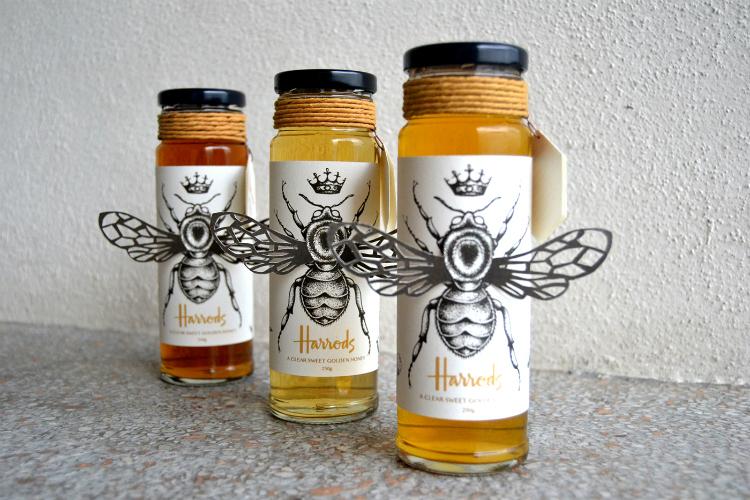 Keyrin Kaswira agregó alas de abeja a este packaging de miel