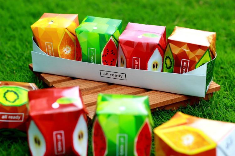 Coloridos packagings de zumos naturales, diseñados por Ken Duong para un proyecto universitario
