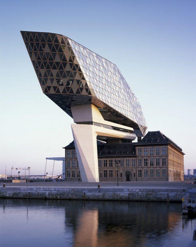 Nuevas oficinas portuarias en Amberes