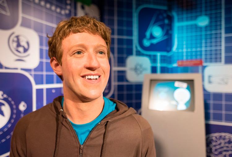 Facebook, azul. Color de identidad corporativa