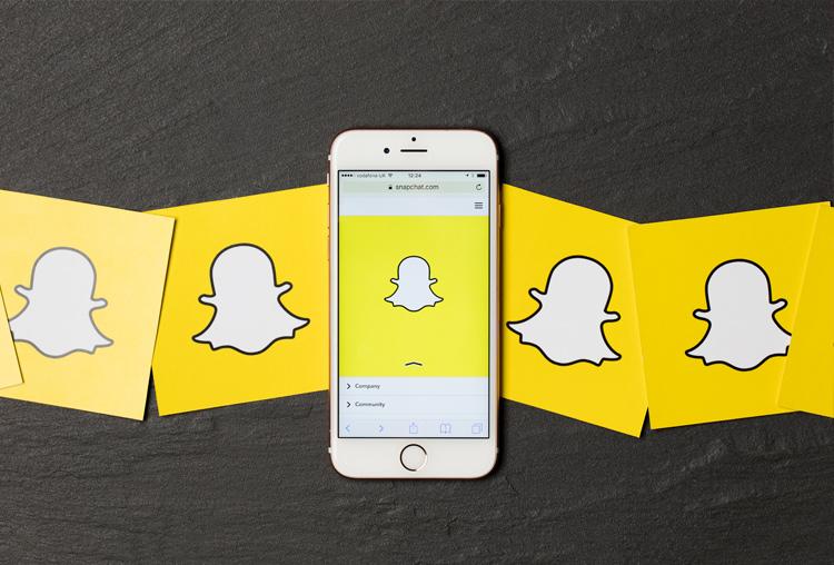 Snapchat, amarillo. Color de identidad corporativa