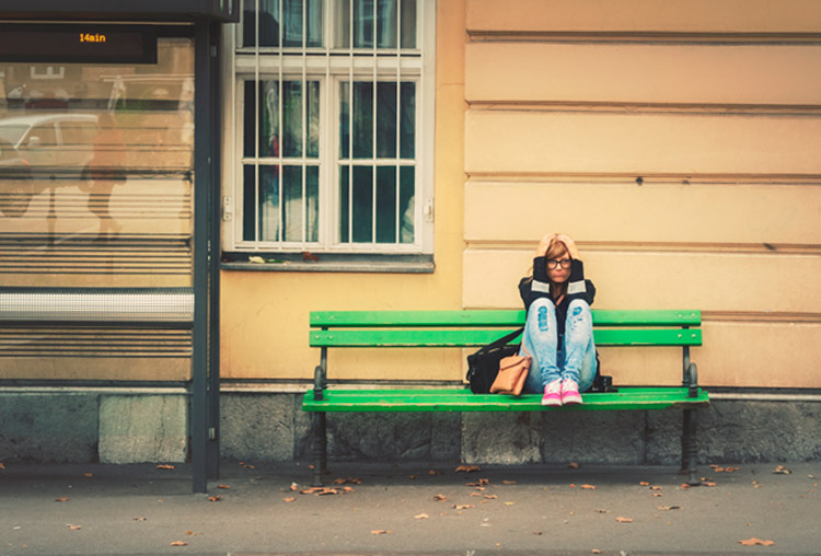 Aburrirse a la vieja usanza, sin móviles. Beneficios del aburrimiento
