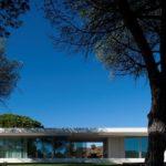 Casa Melide volumen minimalista en el Alentejo portugués #arquitectura #design