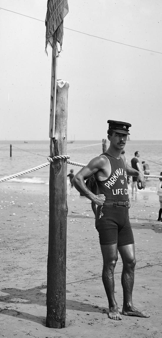 Socorrista en 1920.