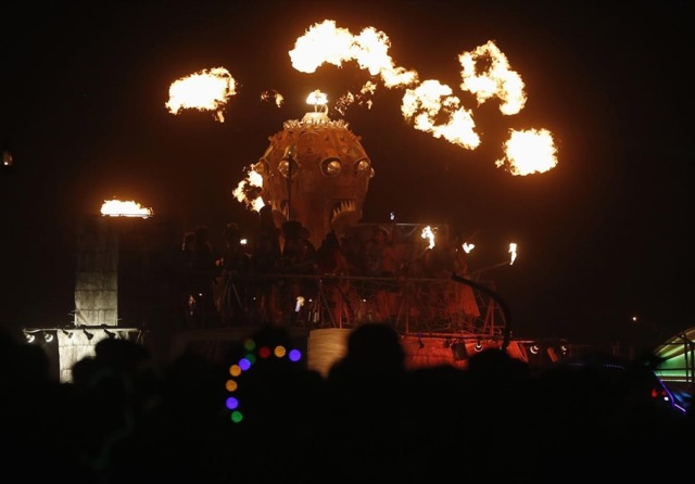 Burning 2013 23 - Lombok Design