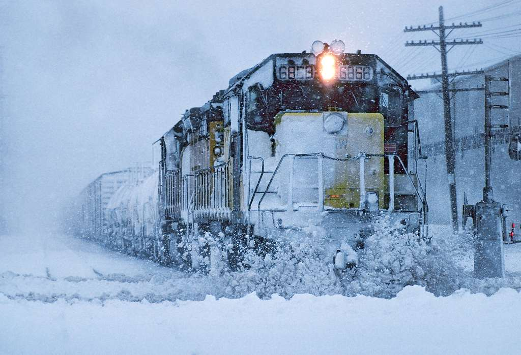 trains-snow-11
