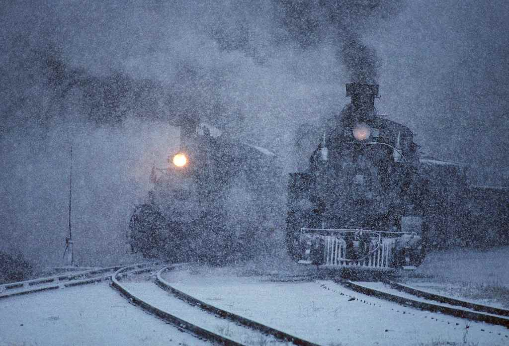 trains-snow-9