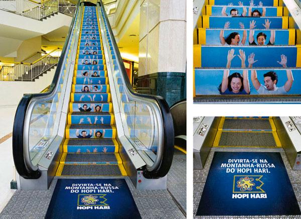 Publicidad creativa en las escaleras mecánicas.