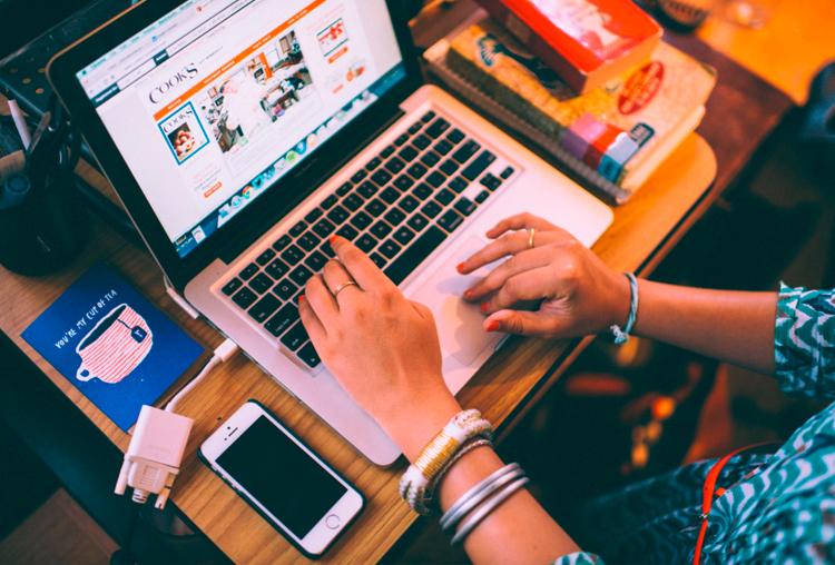 Multitasking ventajas y desventajas. Herramientas varias: Ordenador, smartphone, agenda etc.
