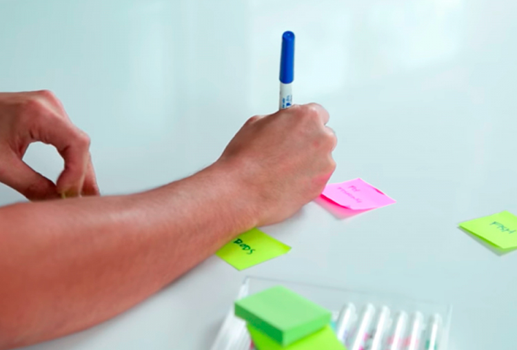 Notas Post-it, varios colores