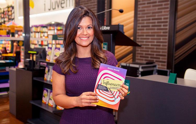 Rafaela Almeida, autora del libro Influencers la nueva tendencia del marketing online
